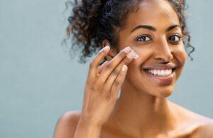 Le masque fait partie des traitements qu'il ne faut pas négliger dans une routine beauté. Cela s'avère encore plus vrai après la période des fêtes. Son rôle sera de débarrasser la peau de ses toxines, du gras et des impuretés qui se sont incrustées.